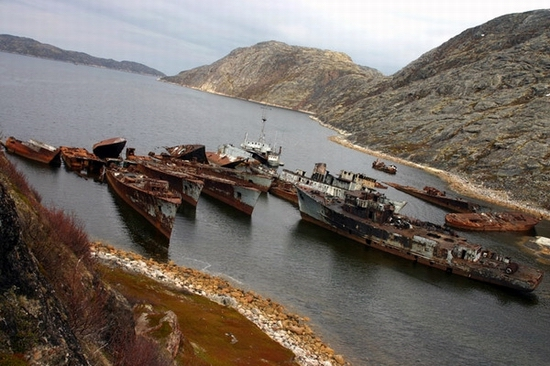 Bays of russian north. after the collapse of soviet union military