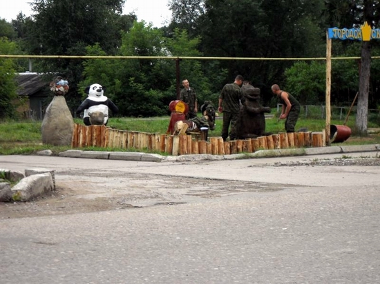 teikovo-city-ivanovo-oblast-russia-streets-sculptures-15