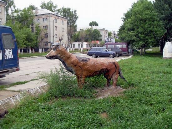 teikovo-city-ivanovo-oblast-russia-streets-sculptures-3