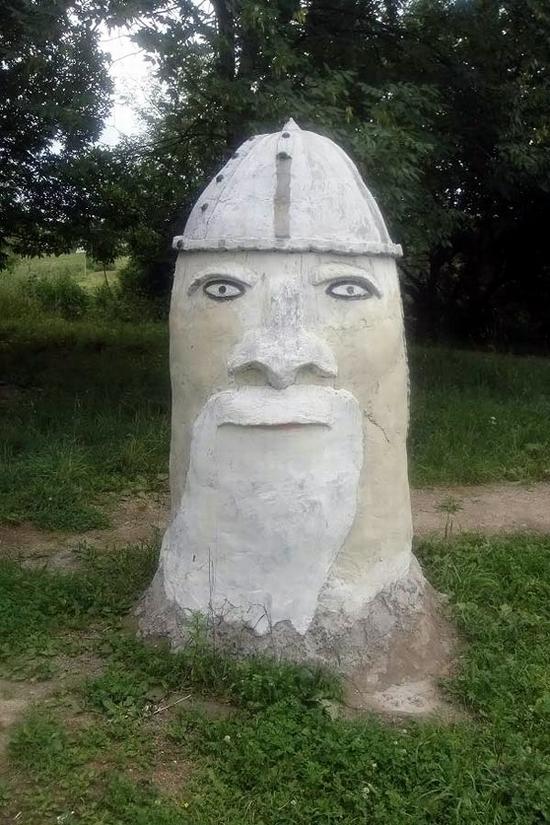 teikovo-city-ivanovo-oblast-russia-streets-sculptures-9