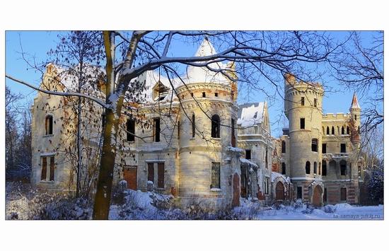 Russian hussar mansion