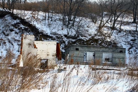 Russian submarines abandoned base