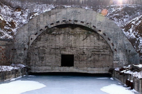 Russian submarines abandoned base