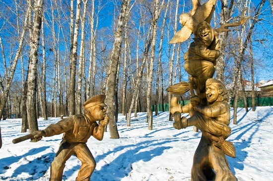 Russian traffic cops wooden sculptures (Khabarovsk city)