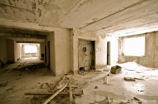 Abandoned Military Bases in USA http://russiatrek.org/blog/army/abandoned-russian-rocket-forces-base-photos/