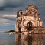 The flooded church of Vologda oblast photos