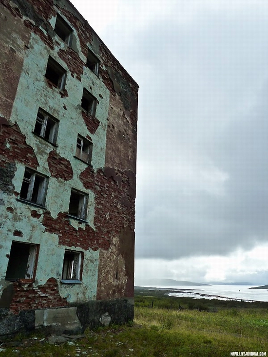 Kolskiy peninsula, Russia abandoned military base view 5