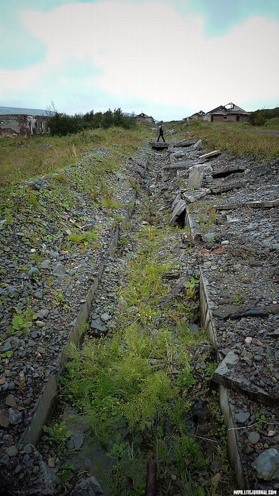 Kolskiy peninsula, Russia abandoned military base view 8