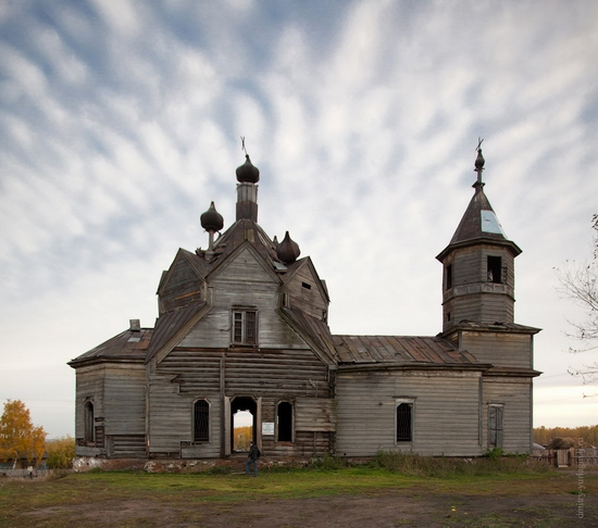 Krasnoyarsk krai, Russia abandoned wooden church 4
