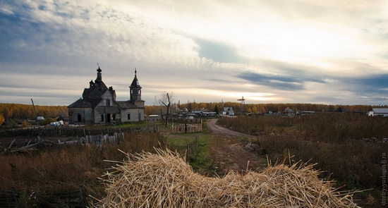 Krasnoyarsk krai, Russia abandoned wooden church 6