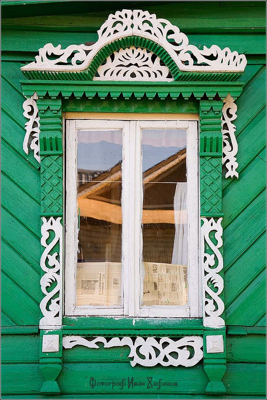 The window frames of kostroma city - russia travel blog.