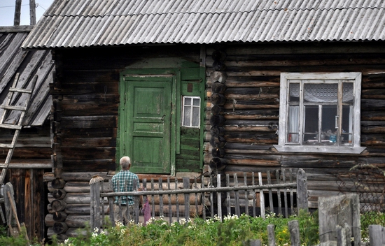Kovda village, Russia wooden houses view 11