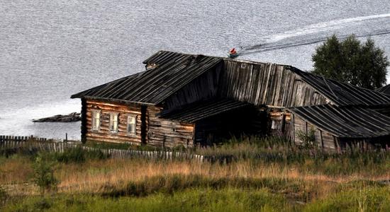 Kovda village, Russia wooden houses view 19