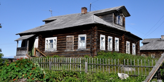 Kovda village, Russia wooden houses view 21