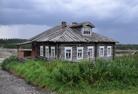 Kovda village, Russia wooden houses view 5