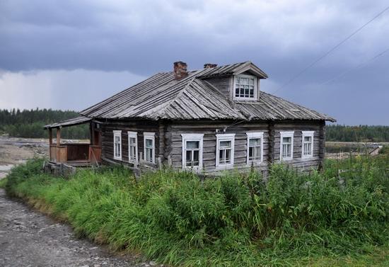 Kovda village, Russia wooden houses view 5