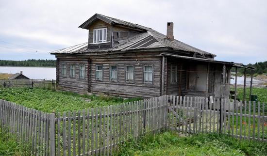 Kovda village, Russia wooden houses view 7