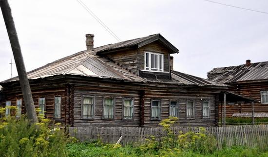 Kovda village, Russia wooden houses view 8