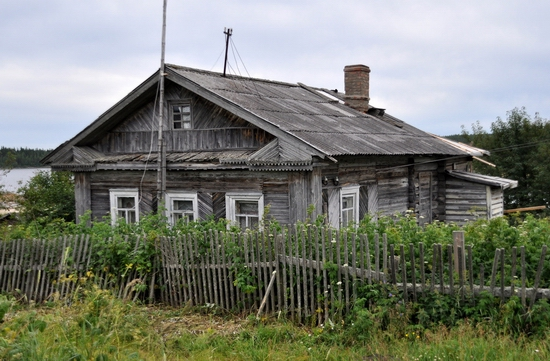 Kovda village, Russia wooden houses view 9