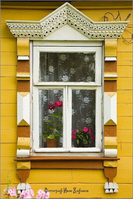 Myshkin town, Russia windows frames view 13