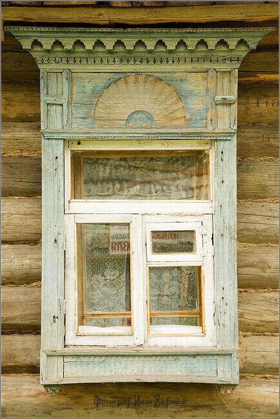 Myshkin town, Russia windows frames view 4