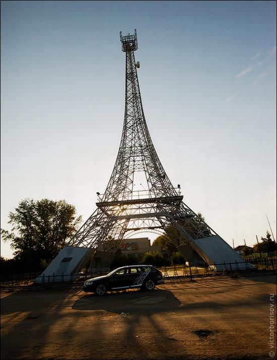 Russian Paris Eiffel Tower view 4