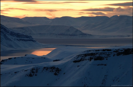 Russian Spitsbergen winter landscapes 18
