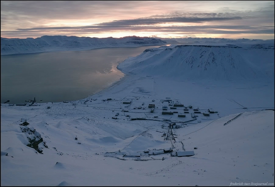 Russian Spitsbergen winter landscapes 20