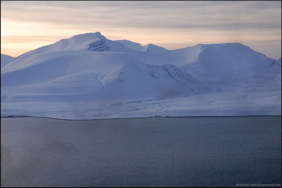 Russian Spitsbergen winter landscapes 6