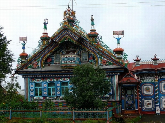 Russian blacksmith house view 1