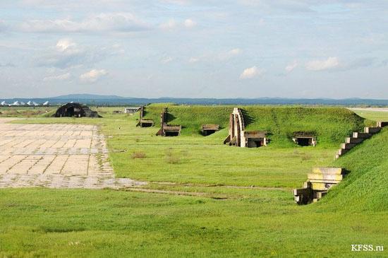 Vozdvizhenka - abandoned air base in Prymorye, Russia view 14