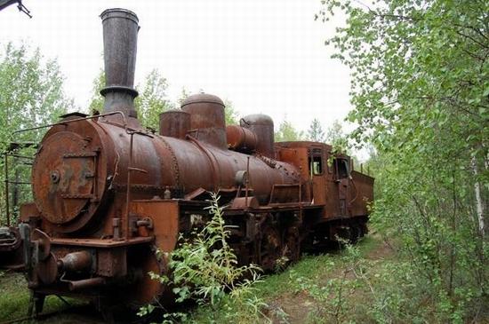 Abandoned Transpolar railway Salekhard-Igarka, Russia view 11