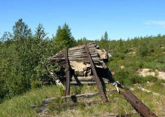 Abandoned Transpolar railway Salekhard-Igarka, Russia view 12