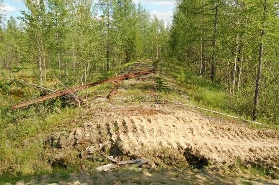 Abandoned Transpolar railway Salekhard-Igarka, Russia view 16