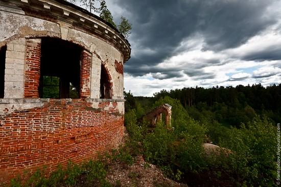 Abandoned Znamenskaya church, Russia view 11