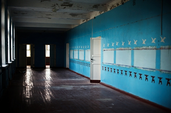 Abandoned school, Teriberka, Kola Peninsula, Russia view 10