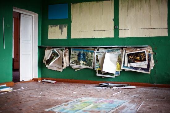 Abandoned school, Teriberka, Kola Peninsula, Russia view 15