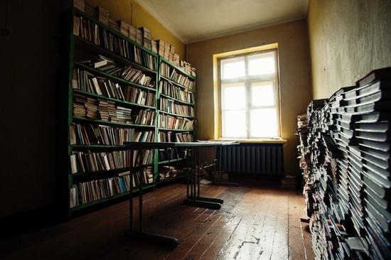 Abandoned school, Teriberka, Kola Peninsula, Russia view 6