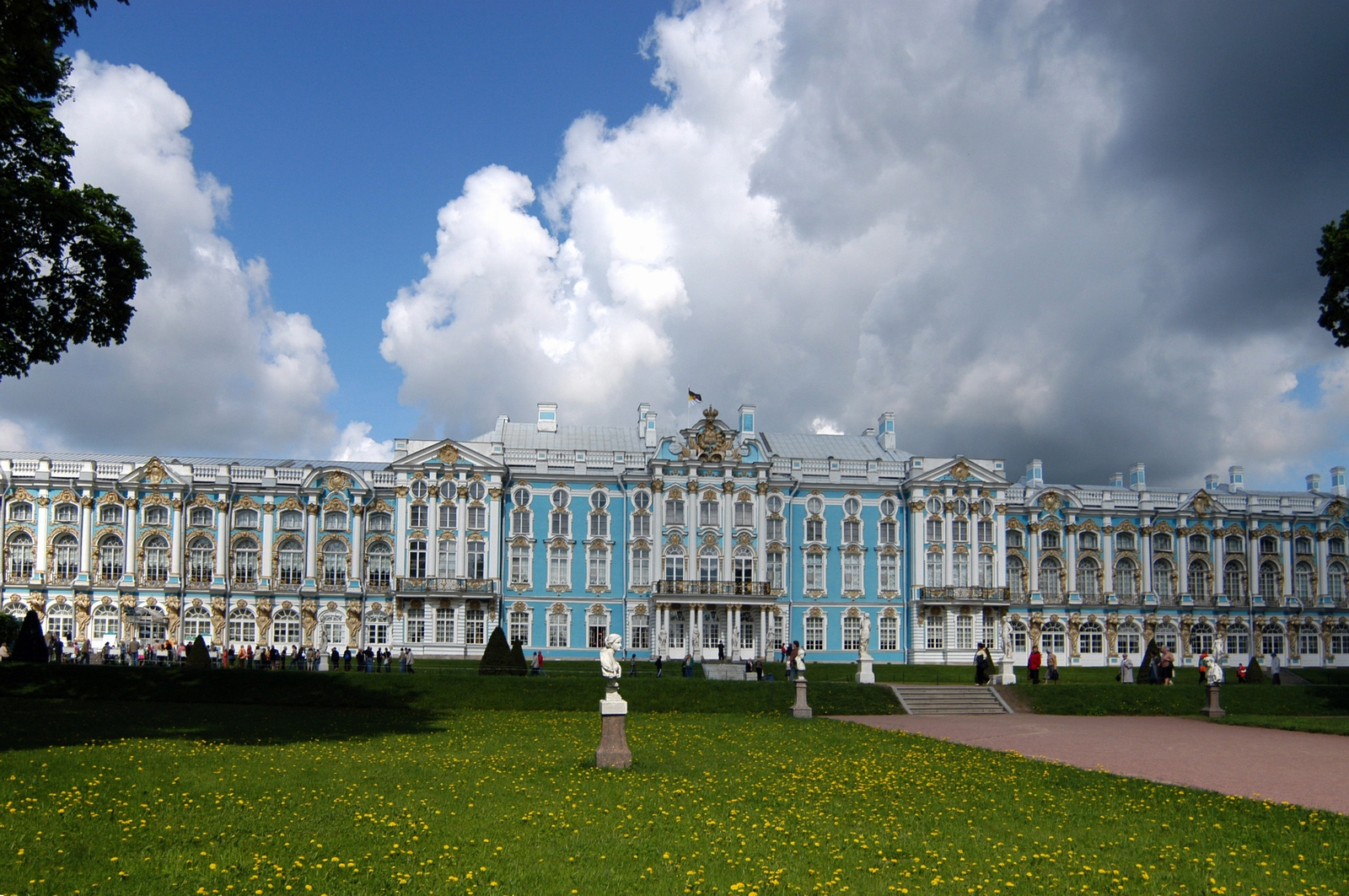 Magnificent palace of Empress Catherine · Russia Travel Blog