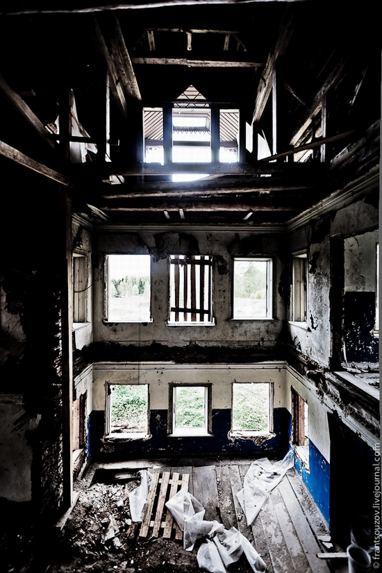 Wooden house, Ostashevo, Kostroma oblast, Russia view 11