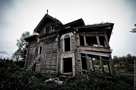 abandoned wooden house from the fairy tale 183 russia travel