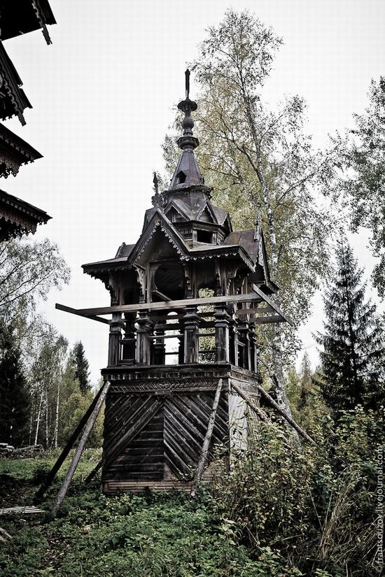 Wooden house, Ostashevo, Kostroma oblast, Russia view 5