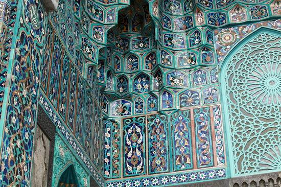 Beautiful mosaic of mosque in Saint Petersburg, Russia view 7