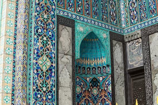 Beautiful mosaic of mosque in Saint Petersburg, Russia view 8