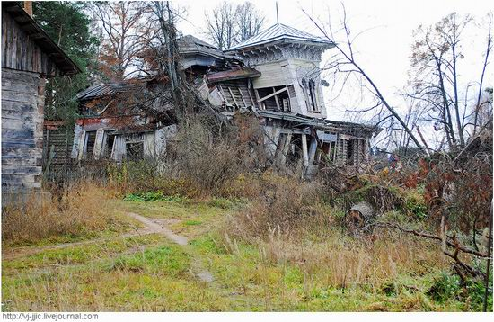 The remains of beautiful Sorokin's dacha, Yaroslavl oblast, Russia view 3