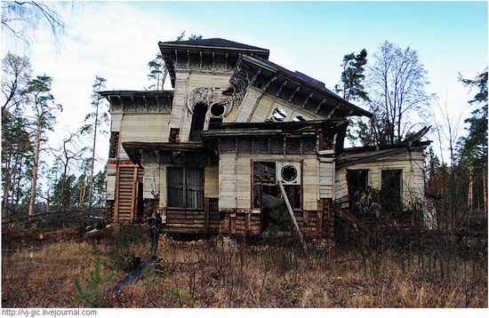 The remains of beautiful Sorokin's dacha, Yaroslavl oblast, Russia view 4