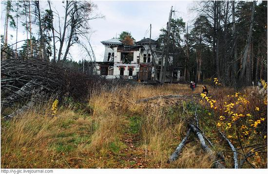 The remains of beautiful Sorokin's dacha, Yaroslavl oblast, Russia view 9