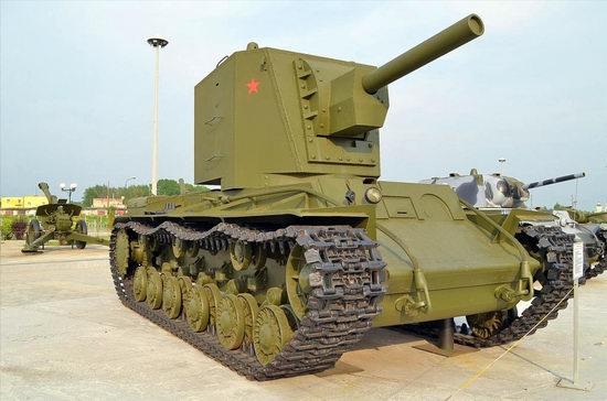 Military vehicles museum, Verkhnaya Pyshma, Russia photo 1