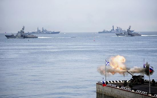 Navy Day celebrations, Vladivostok, Russia photo 13