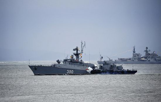 Navy Day celebrations, Vladivostok, Russia photo 22